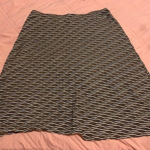 Dress Barn 2x skirt White, Navy blue , and brown
